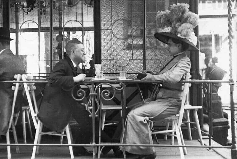 Thonet-Café-Vienna-garden-chair