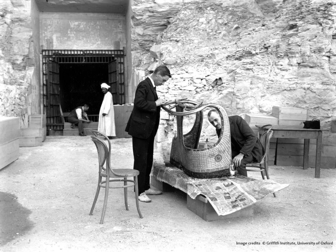 Tutankhamon Tomb discoverfy, 1923 by Harry Burton