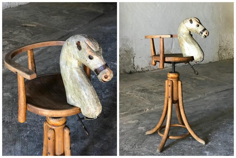 Uno sgabello da bambino per barbiere in linea curva con cavallino