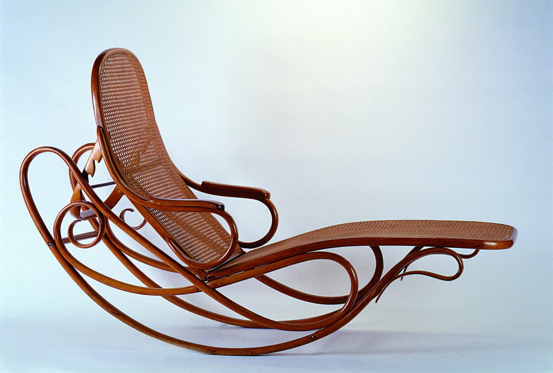 La chaise longue basculante Thonet n. 7500 Legno Curvato