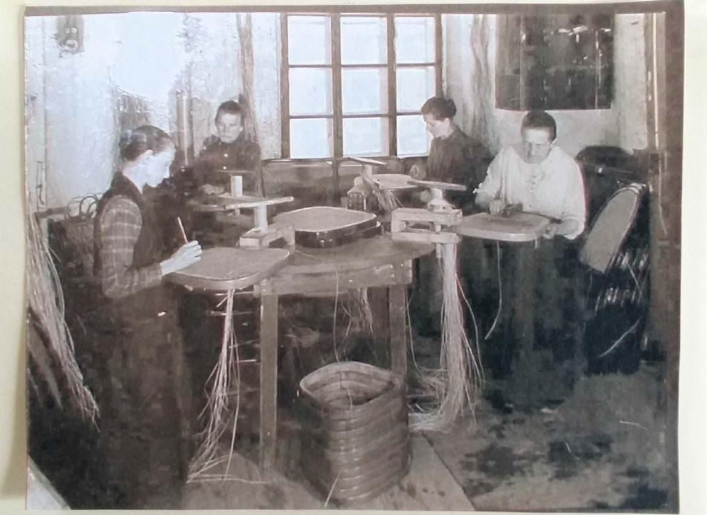 Thonet impagliatrici del legno curvato