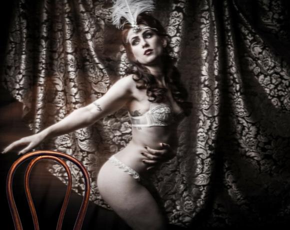 Thonet 18, protagonista degli spettacoli di Burlesque