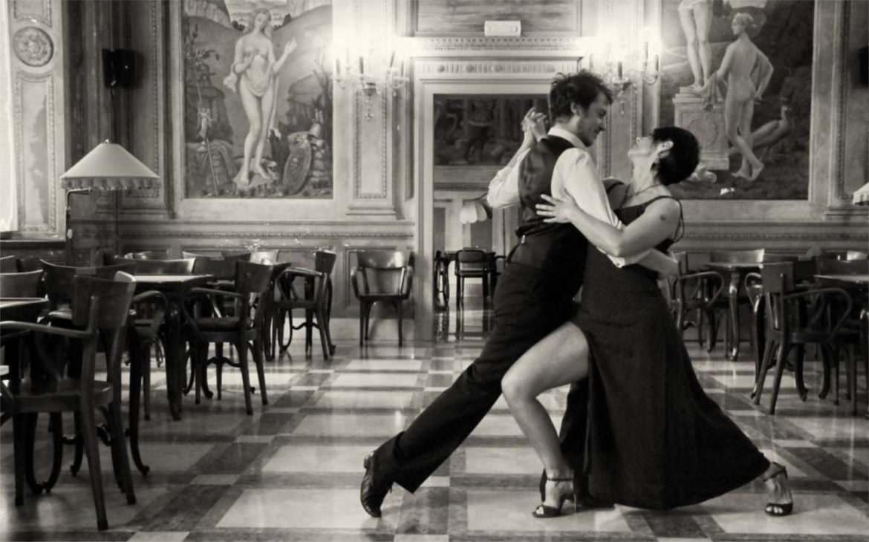Thonet, tango e milonghe