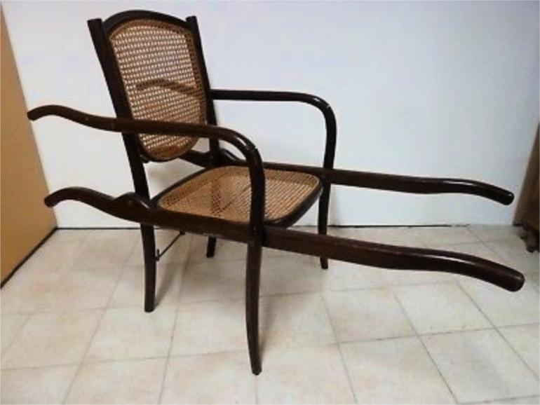 Thonet portantina in legno curvato